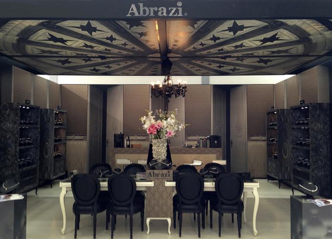 abrazi stand